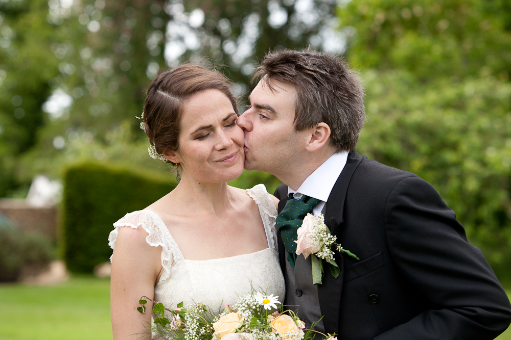 Belinda and Veikko's Garden Party Wedding in Oxfordshire