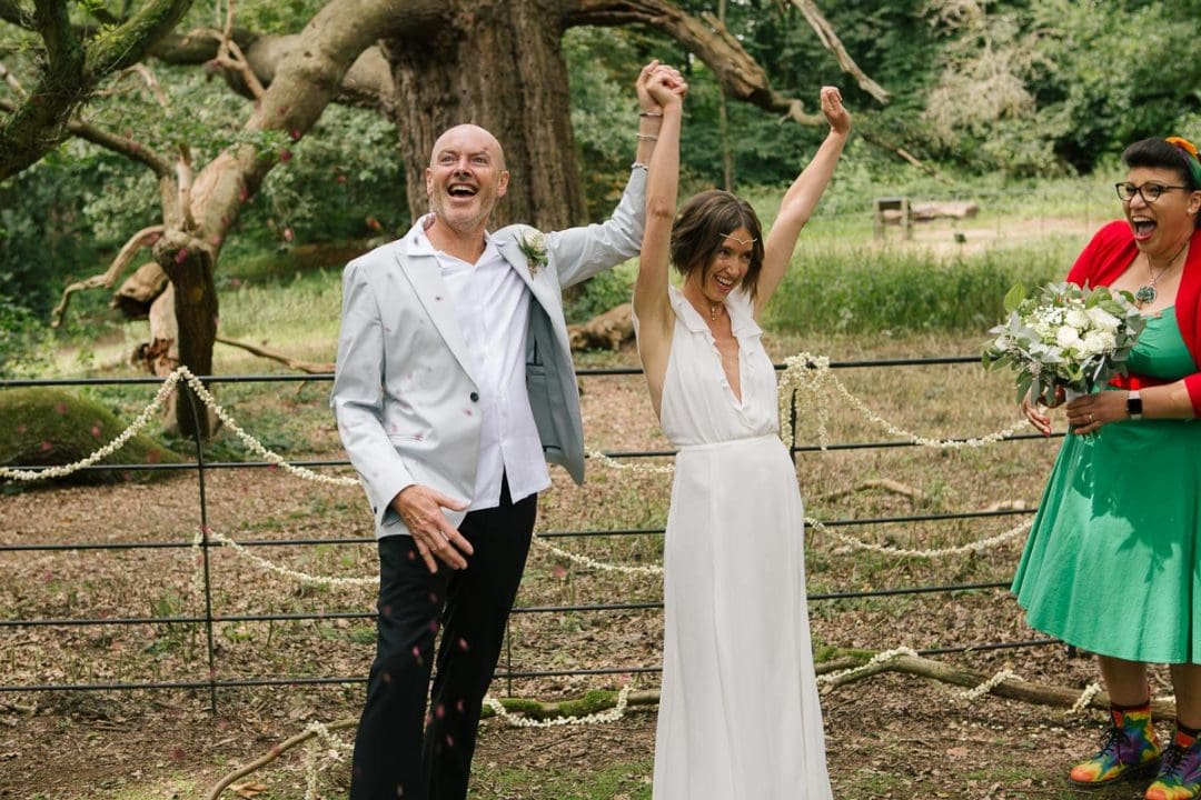Couple vows at pop up wedding
